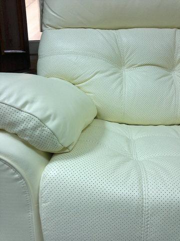 Світлий кутовий диван монако