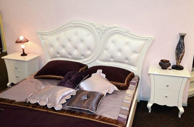 Ліжко Капрі Румунія