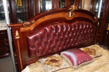 Декор Класичної спальні карпентер