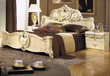 меблі виготовлені з екологічно чистих матеріалів - дерево, шкіра.