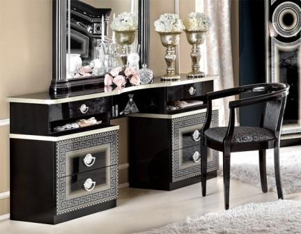 Ціна на Італійський меблевий гарнітур для спальні  Aida залежить від комплектації.