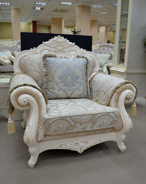Крісло класичне Колізей у білому кольорі зі срібною патиною, Аванті