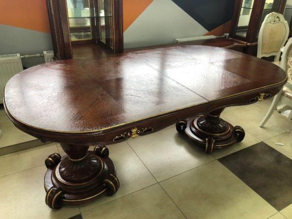 Массивний дерев'яний стіл коричневого кольору, Китай