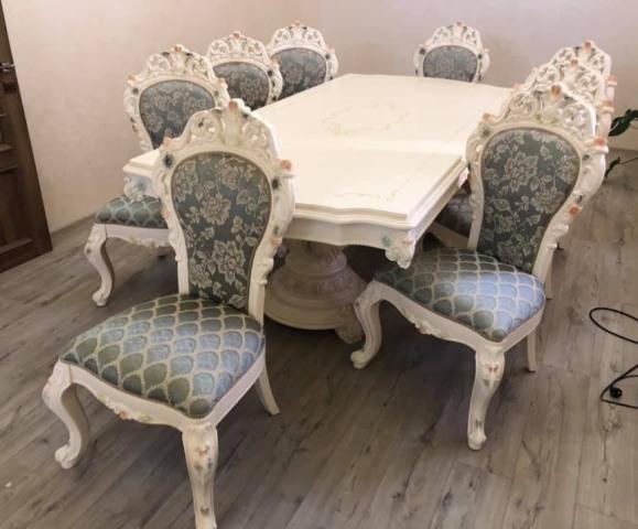 Комплект білих меблів для столової стіл і стільці у стилі барокко Еліза 8833 ( 8875)